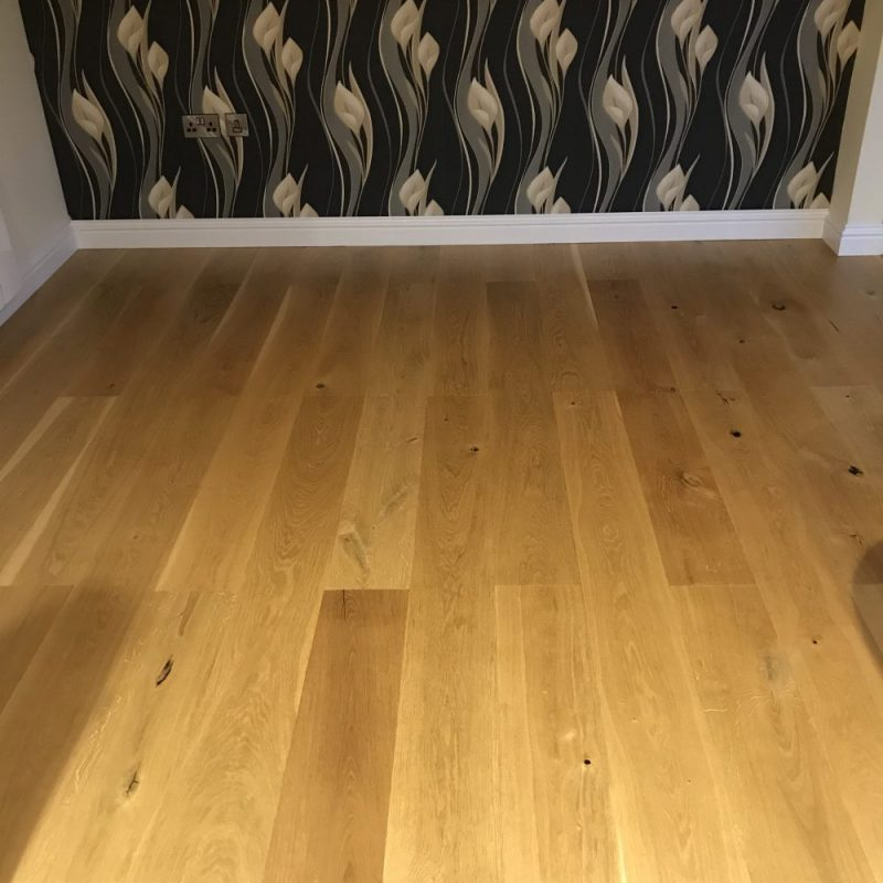 Oak flooring by Valley Carpenters